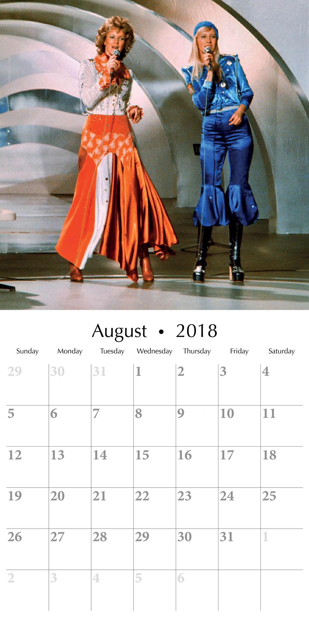 Free August 2018 Wall Calendar